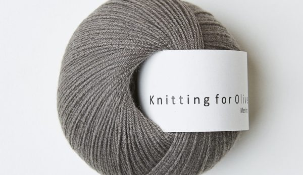 Knitting_for_olive_merino_grayish_brown