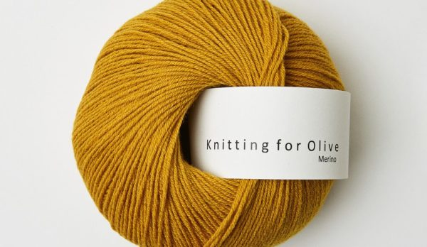 Knitting_for_olive_merino_mustard