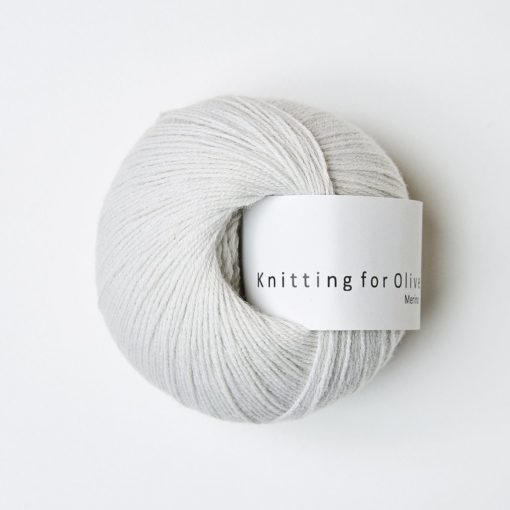 Knitting_for_olive_merino_putty
