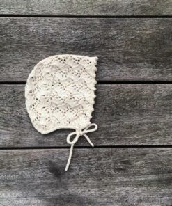 Knitting for olive holly bonnet -lasten pitsinen neulemyssy