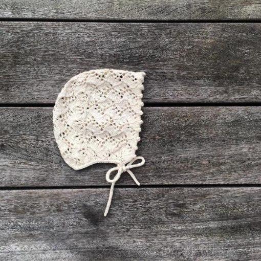 Knitting for olive holly bonnet -lasten pitsinen neulemyssy
