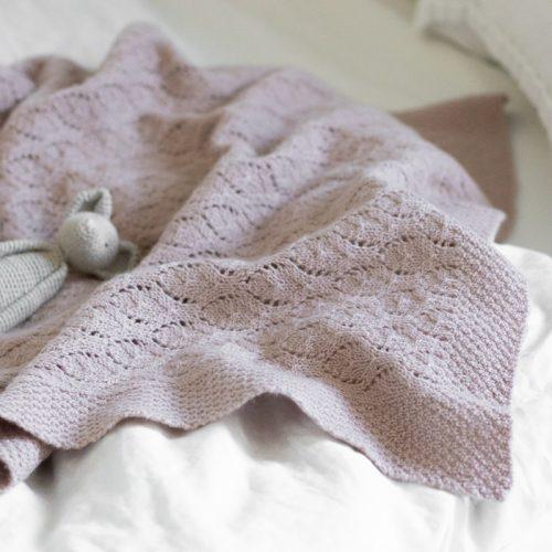 Krea deluxe baby blanket neuleohje